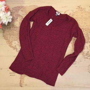 Maroon v-neck sweater